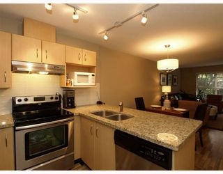 "Photo 5: 113-332 Lonsdale Avenue in North Vancouver: Lower Lonsdale Condo for sale in ""CALYPSO"" : MLS®# V790136"