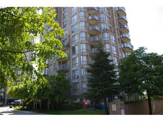 "Photo 1: 908 838 AGNES Street in New Westminster: Downtown NW Condo for sale in ""WESTMINSTER TOWER"" : MLS®# V830069"