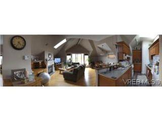 Photo 3: 5 649 Admirals Rd in VICTORIA: Es Rockheights Condo Apartment for sale (Esquimalt)  : MLS®# 540500