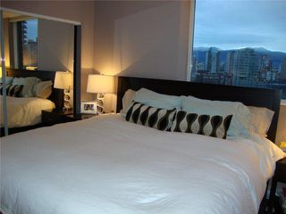 """Photo 5: 2106 583 BEACH Crescent in Vancouver: False Creek North Condo for sale in """"PARKWEST II"""" (Vancouver West)  : MLS®# V839365"""