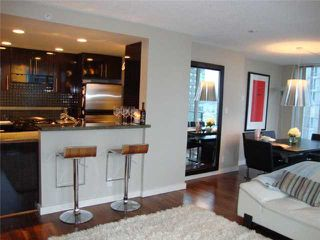"""Photo 3: 2106 583 BEACH Crescent in Vancouver: False Creek North Condo for sale in """"PARKWEST II"""" (Vancouver West)  : MLS®# V839365"""