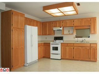 """Photo 6: 5642 SUNDALE Grove in Surrey: Cloverdale BC House for sale in """"SUNRISE ESTATES"""" (Cloverdale)  : MLS®# F1027237"""