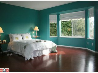 """Photo 4: 5642 SUNDALE Grove in Surrey: Cloverdale BC House for sale in """"SUNRISE ESTATES"""" (Cloverdale)  : MLS®# F1027237"""
