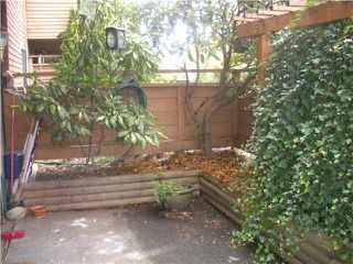 """Photo 8: 104 349 E 6TH Avenue in Vancouver: Mount Pleasant VE Condo for sale in """"LANDMARK HOUSE"""" (Vancouver East)  : MLS®# V860695"""