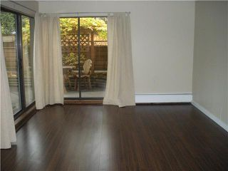 """Photo 4: 104 349 E 6TH Avenue in Vancouver: Mount Pleasant VE Condo for sale in """"LANDMARK HOUSE"""" (Vancouver East)  : MLS®# V860695"""