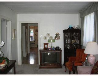 Photo 3: 222 QUEEN Street in WINNIPEG: St James Residential for sale (West Winnipeg)  : MLS®# 2815199