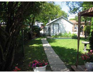 Photo 8: 222 QUEEN Street in WINNIPEG: St James Residential for sale (West Winnipeg)  : MLS®# 2815199