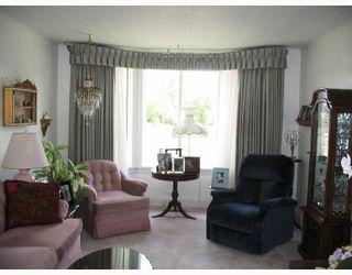 Photo 2: 222 QUEEN Street in WINNIPEG: St James Residential for sale (West Winnipeg)  : MLS®# 2815199