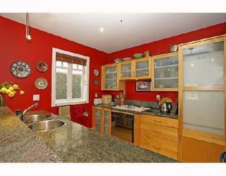 Photo 7: 3310 W 1ST Avenue in Vancouver: Kitsilano House 1/2 Duplex for sale (Vancouver West)  : MLS®# V733541