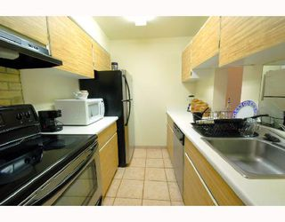 """Photo 4: 1206 2004 FULLERTON Avenue in North_Vancouver: Pemberton NV Condo for sale in """"WOODCROFT - WHYTECLIFF"""" (North Vancouver)  : MLS®# V740061"""
