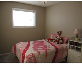 Photo 10: 8 MILLCREST Green SW in CALGARY: Millrise Residential Detached Single Family for sale (Calgary)  : MLS®# C3361633