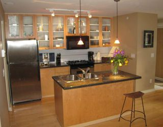 Photo 1: TH14 939 RICHARDS Street in Vancouver: Downtown VW Townhouse for sale (Vancouver West)  : MLS®# V756450