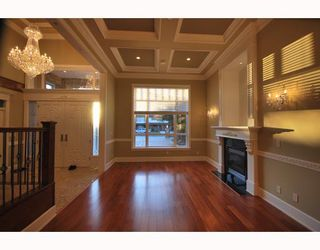 Photo 2: 8128 CATHAY Road in Richmond: Lackner House for sale : MLS®# V757650