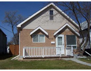 Photo 1: 238 PARKVIEW Street in WINNIPEG: St James Residential for sale (West Winnipeg)  : MLS®# 2907337
