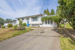 Photo 2: 34079 FRASER Street in Abbotsford: Central Abbotsford House for sale : MLS®# R2398789