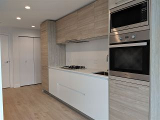 Photo 4: 302 523 W KING EDWARD Avenue in Vancouver: Cambie Condo for sale (Vancouver West)  : MLS®# R2402990