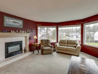 Photo 4: 12073 249A Street in Maple Ridge: Websters Corners House for sale : MLS®# R2435166