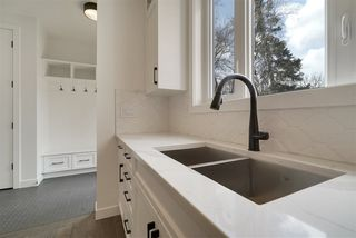 Photo 4: 10406 138 Street in Edmonton: Zone 11 House for sale : MLS®# E4199742