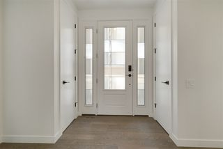 Photo 2: 10406 138 Street in Edmonton: Zone 11 House for sale : MLS®# E4199742