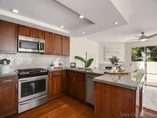 Photo 4: PACIFIC BEACH Condo for sale : 3 bedrooms : 1531 Missouri St #2 in San Diego