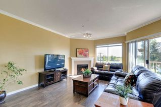 Photo 6: 307 5489 201 STREET in Langley: Langley City Home for sale ()  : MLS®# R2060049