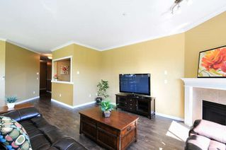 Photo 8: 307 5489 201 STREET in Langley: Langley City Home for sale ()  : MLS®# R2060049