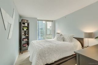 "Photo 8: 1502 188 KEEFER Place in Vancouver: Downtown VW Condo for sale in ""ESPANA TOWER B"" (Vancouver West)  : MLS®# R2508962"