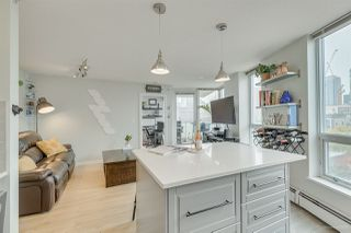 "Photo 2: 1502 188 KEEFER Place in Vancouver: Downtown VW Condo for sale in ""ESPANA TOWER B"" (Vancouver West)  : MLS®# R2508962"