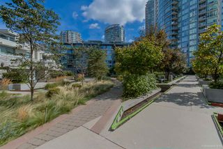 "Photo 24: 1502 188 KEEFER Place in Vancouver: Downtown VW Condo for sale in ""ESPANA TOWER B"" (Vancouver West)  : MLS®# R2508962"