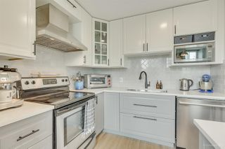 "Photo 3: 1502 188 KEEFER Place in Vancouver: Downtown VW Condo for sale in ""ESPANA TOWER B"" (Vancouver West)  : MLS®# R2508962"
