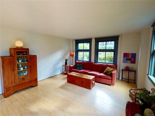 Photo 7: 102 120 Douglas St in : Vi James Bay Condo for sale (Victoria)  : MLS®# 857883