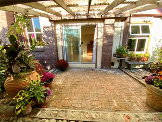 Photo 9: 102 120 Douglas St in : Vi James Bay Condo for sale (Victoria)  : MLS®# 857883