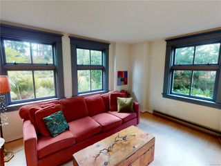 Photo 5: 102 120 Douglas St in : Vi James Bay Condo for sale (Victoria)  : MLS®# 857883