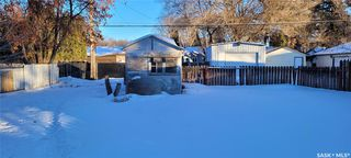 Photo 2: 814 W Avenue North in Saskatoon: Mount Royal SA Residential for sale : MLS®# SK838740