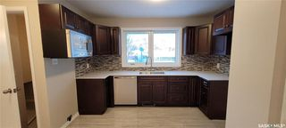 Photo 11: 814 W Avenue North in Saskatoon: Mount Royal SA Residential for sale : MLS®# SK838740