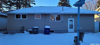 Photo 3: 814 W Avenue North in Saskatoon: Mount Royal SA Residential for sale : MLS®# SK838740