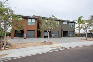 Photo 2: SAN DIEGO House for sale : 3 bedrooms : 6232 Osler St