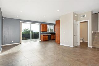 Photo 4: SAN DIEGO House for sale : 3 bedrooms : 6232 Osler St