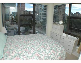 """Photo 6: 701 1723 ALBERNI Street in Vancouver: West End VW Condo for sale in """"THE PARK"""" (Vancouver West)  : MLS®# V788776"""