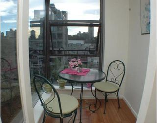 """Photo 7: 701 1723 ALBERNI Street in Vancouver: West End VW Condo for sale in """"THE PARK"""" (Vancouver West)  : MLS®# V788776"""