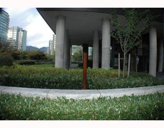 """Photo 9: 701 1723 ALBERNI Street in Vancouver: West End VW Condo for sale in """"THE PARK"""" (Vancouver West)  : MLS®# V788776"""