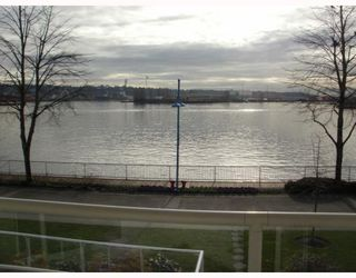 "Photo 1: 220 1150 QUAYSIDE Drive in New Westminster: Quay Condo for sale in ""WESTPORT"" : MLS®# V802014"