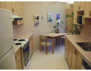 """Photo 5: 220 1150 QUAYSIDE Drive in New Westminster: Quay Condo for sale in """"WESTPORT"""" : MLS®# V802014"""