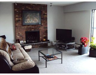 Photo 3: 304 1025 CORNWALL Street in New Westminster: Uptown NW Condo for sale : MLS®# V812409