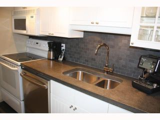 "Photo 3: 57 870 W 7TH Avenue in Vancouver: Fairview VW Townhouse for sale in ""LAUREL COURT"" (Vancouver West)  : MLS®# V817515"