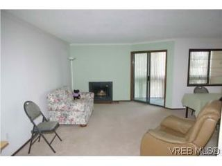 Photo 4: 409 75 W Gorge Road in VICTORIA: SW Gorge Condo Apartment for sale (Saanich West)  : MLS®# 284589