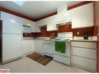 "Photo 6: 306 10678 138A Street in Surrey: Whalley Condo for sale in ""CRESTVIEW GARDEN"" (North Surrey)  : MLS®# F1028039"