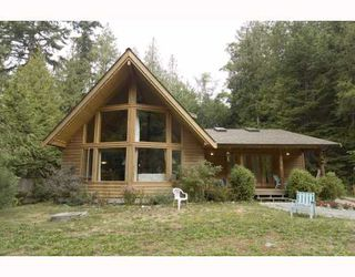 Main Photo: 3160 BEACH Avenue: Roberts Creek House for sale (Sunshine Coast)  : MLS®# V765023