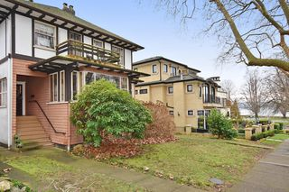 "Photo 2: 2020 MCNICOLL Avenue in Vancouver: Kitsilano House for sale in ""Kits Point"" (Vancouver West)  : MLS®# R2428928"