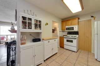 Photo 8: 9353 172 Street in Edmonton: Zone 20 Carriage for sale : MLS®# E4198253